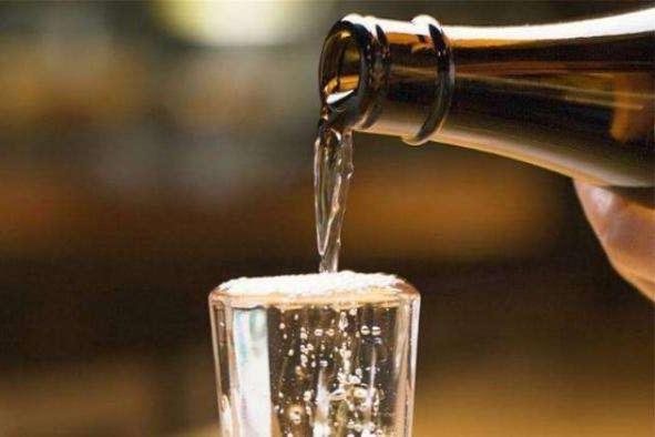 2020年1-5月酒业收入同比下降7.25%