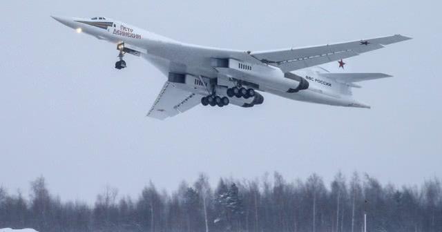 俄升级型图-160M轰炸机提前3年量产,新机型研发被推迟