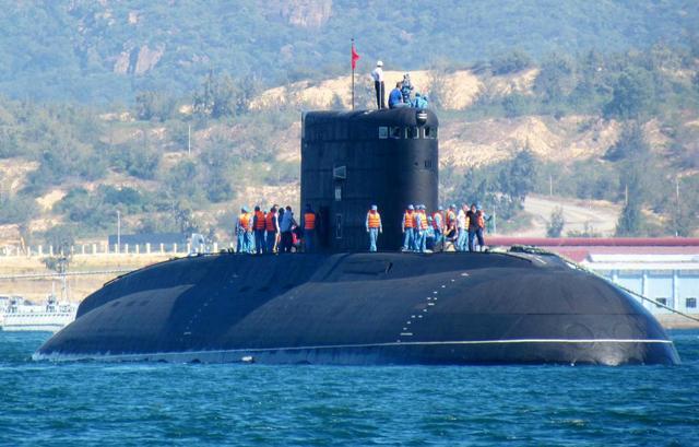 大號鐵皮焊出AIP潛艇,軍方急忙跑去視察:讓印度汗顏了