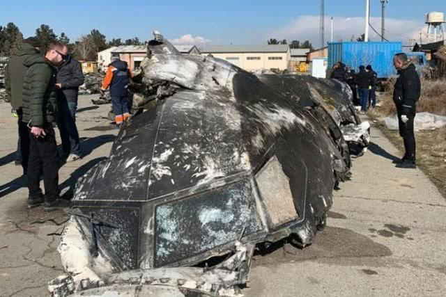 乌克兰官员:伊朗导弹从下方击中驾驶舱,飞行员当场死亡