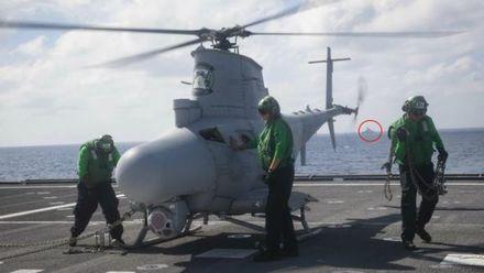 美军发布战舰在南海航行图片,不远处却跟着一个熟悉的身影……