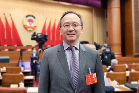 李惠森:加强推广中医药健康文化 推动中国家族企业有序传承