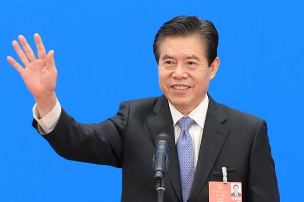 商务部部长钟山:聪明的外商不会放弃中国庞大市场