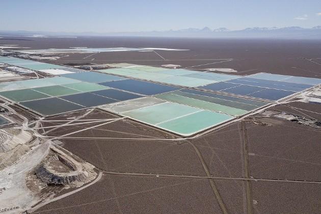 海外拍出每吨14万天价,锂矿是下一个铁矿石?