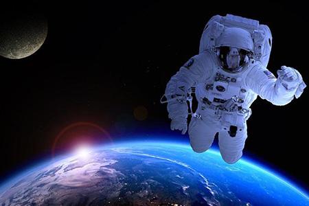 太空竞赛一触即发,亿万富翁纷纷入场
