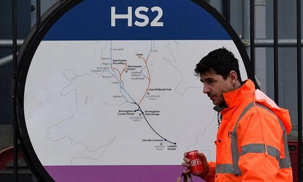 """英国555公里高铁12年没建好 英网友羡慕""""中国速度"""""""