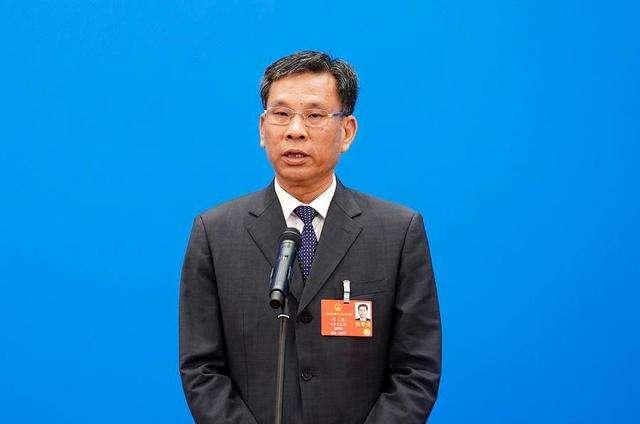 财政部部长刘昆:今年财政政策既做加法、也做减法