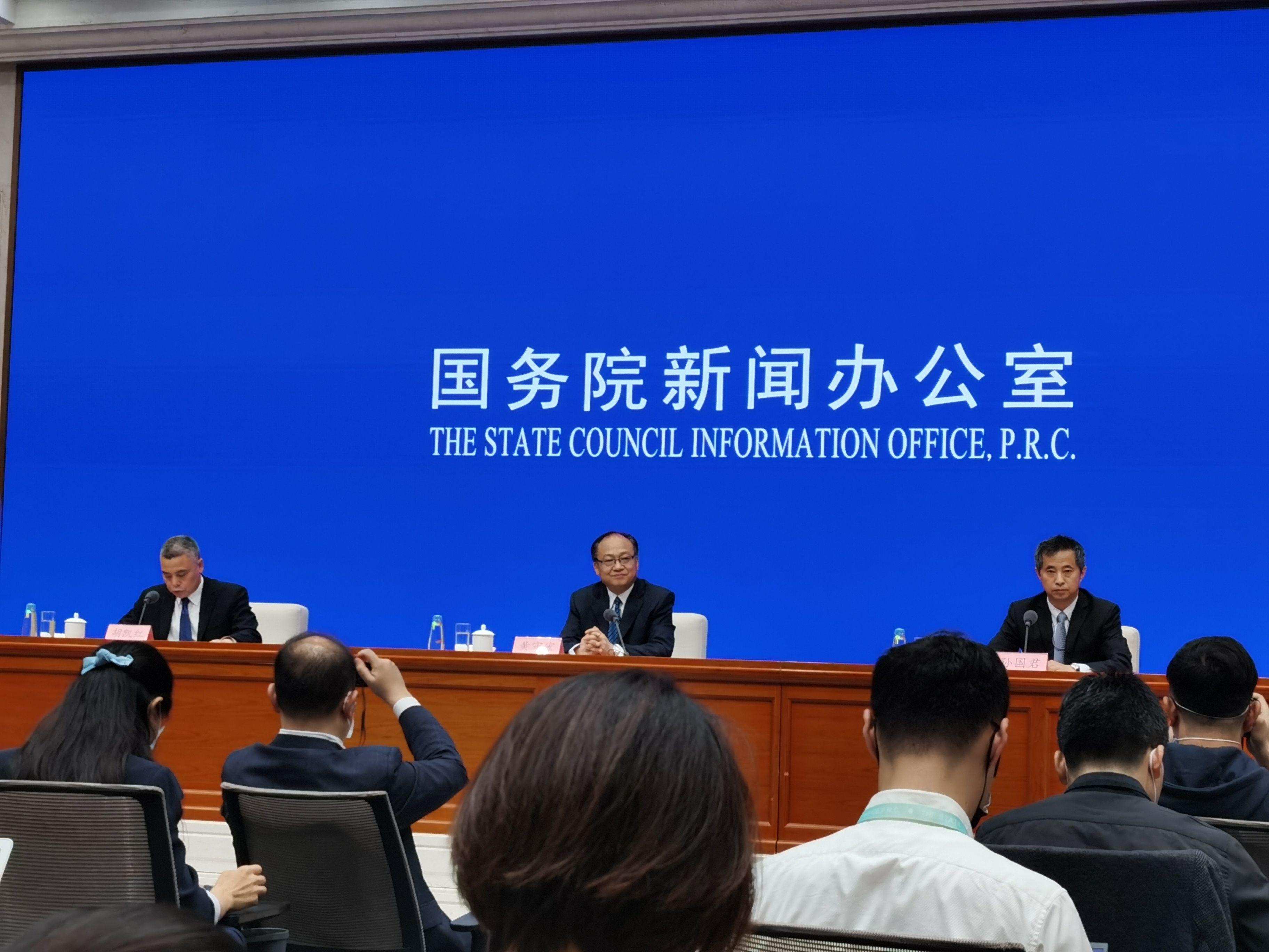 政府工作报告今年更突出应对新形势下的新办法、新举措