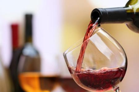 张裕董事长周洪江:建议减轻葡萄酒产业税收负担,优化产业发展环境
