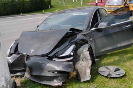 美国调查特斯拉得州事故 马斯克称事发车辆未购买FSD