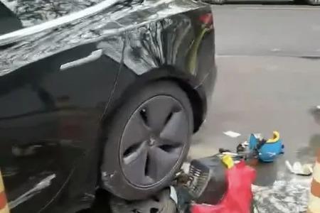 特斯拉撞倒电动车致4人受伤!厦门警方:原因正在调查