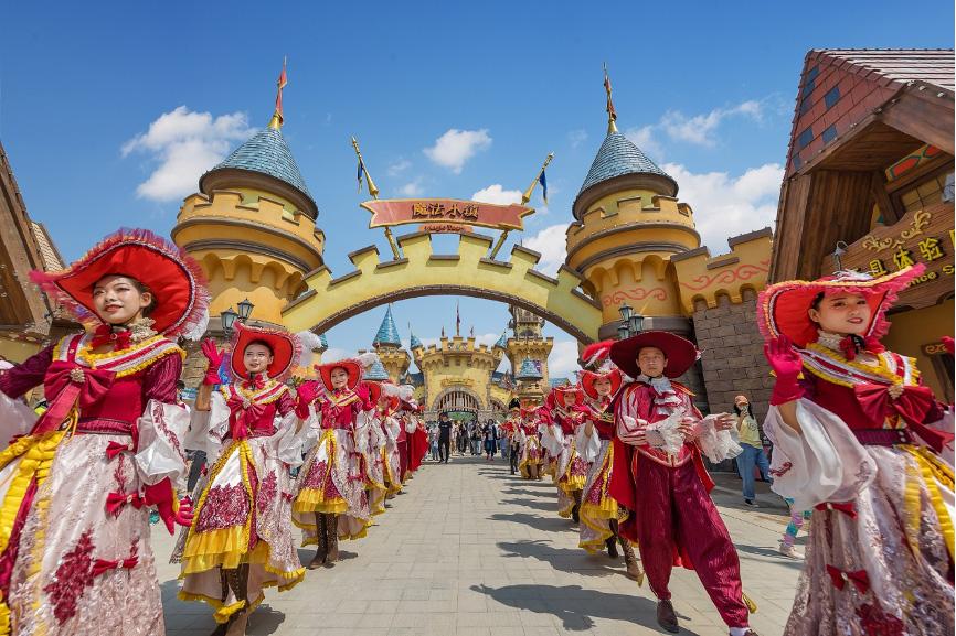济南融创文旅城正式开城,打造齐鲁欢乐新中心
