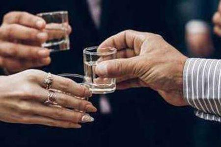 多家上市企业涉足白酒行业致使股价大涨