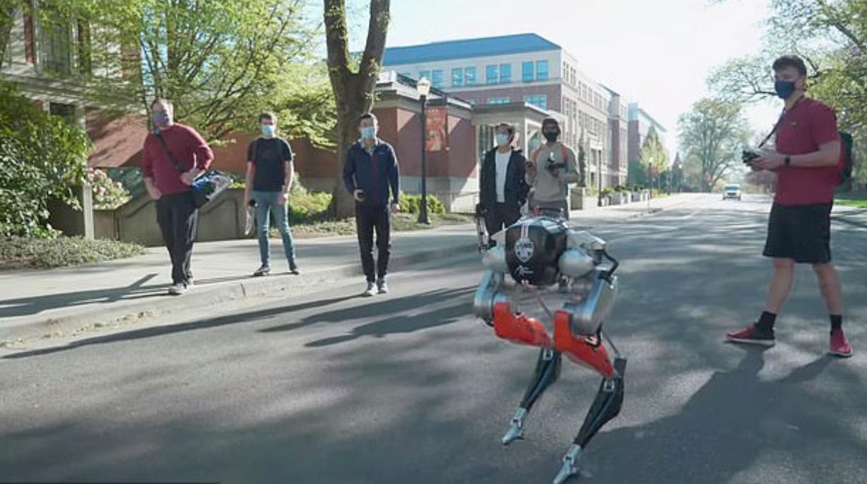 53分钟跑5公里 两足机器人创造历史