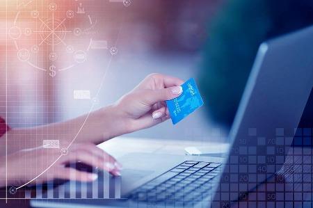 数字信用卡试水业绩不俗 信用卡竞争从线下转到线上