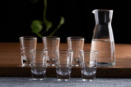 酒企座次排序生变:竞争格局强分化,销售费用攀升